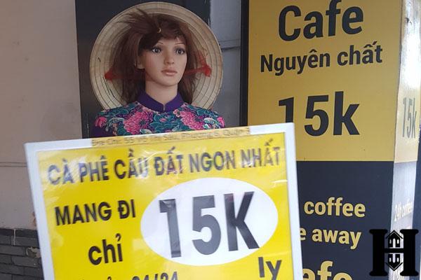 Lắp đặt robot quảng cáo cho quán cafe Cầu Đất